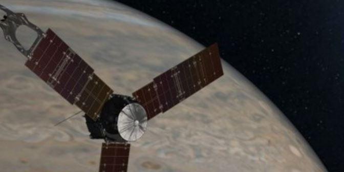 La sonda Juno muy cerca de Júpiter