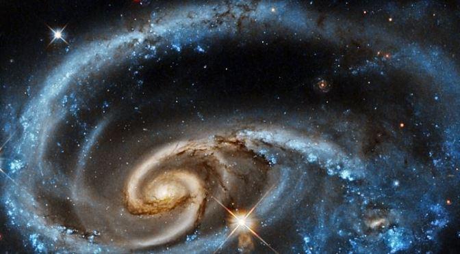 UGC 1810, una galaxia en colisión
