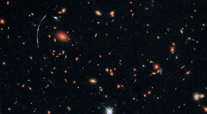 Cúmulos de galaxias a miles de millones de años luz
