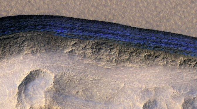 Descubiertos enormes depósitos de hielo en Marte