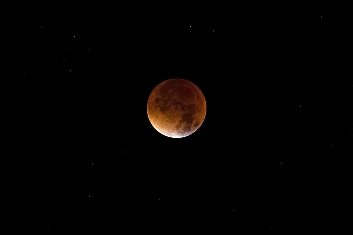 Precioso Eclipse total de Luna la noche del 20/21 de enero