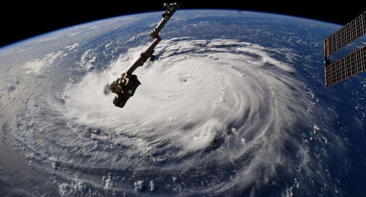 huracán desde la ISS