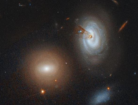 Fenómenos descomunales entre miles de galaxias