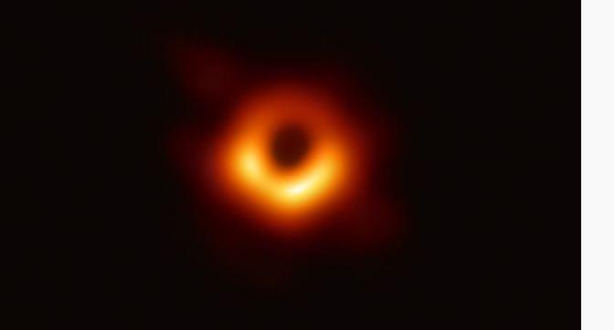 Histórico, la primera imagen de un agujero negro