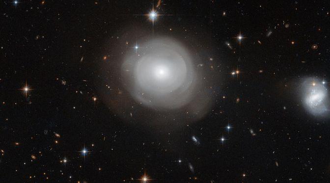 Zoom a La impresionante galaxia lenticular de centauro