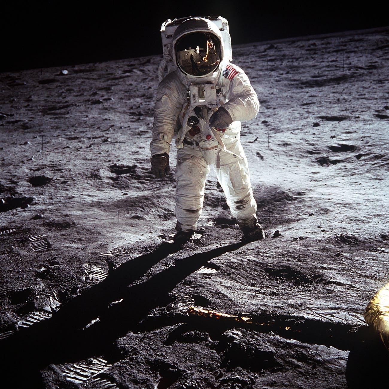 ¿Por qué no han vuelto astronautas a la Luna?