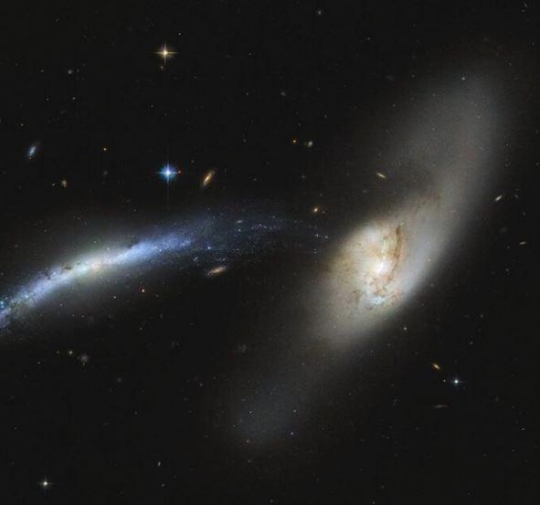 La impresionante imagen de dos galaxias en colisión
