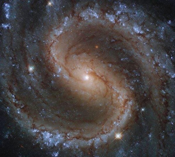 """NGC 4535: la """"Galaxia Perdida"""""""