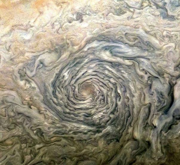 La imagen más increíble de una tormenta ciclónica de Júpiter