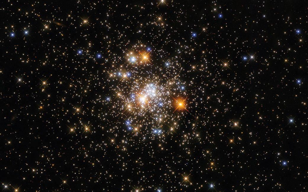 El increíble y bello cúmulo globular NGC 6717